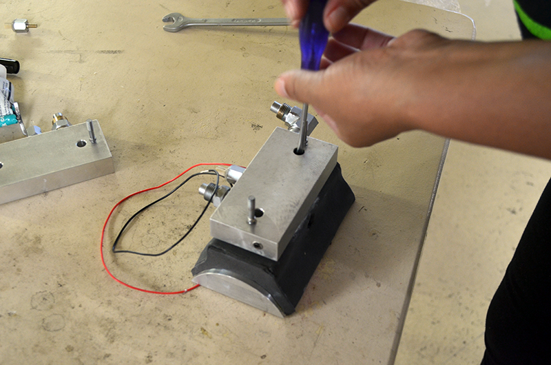 Removing and Replacing the Peltier Elements on the CAL2K Water Cooler
